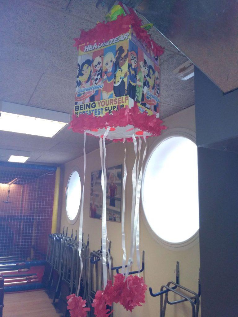 piñata super hero girls