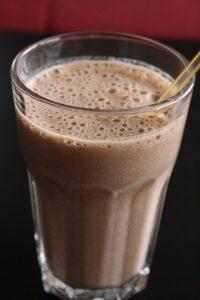 Bebida refrescante y nutritiva. Batido de plátano