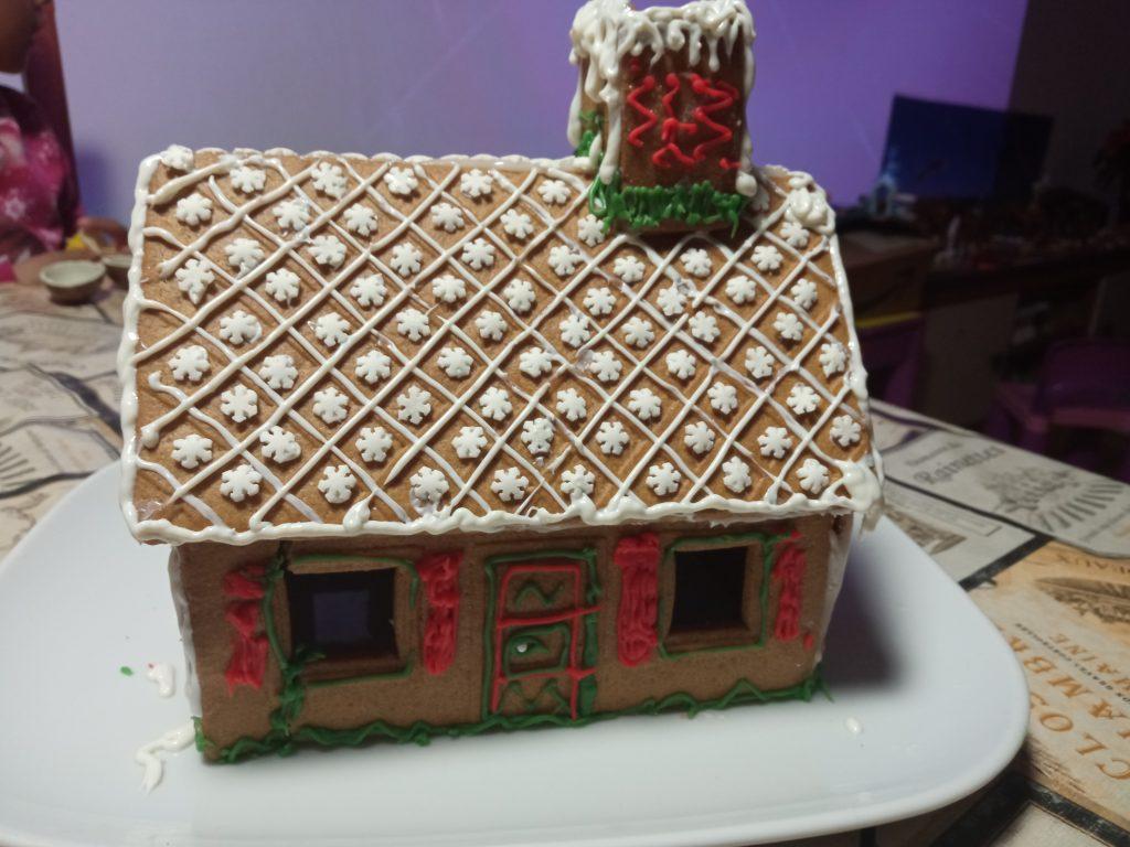 manualidades de navidad para niños - casa de galleta del IKEA